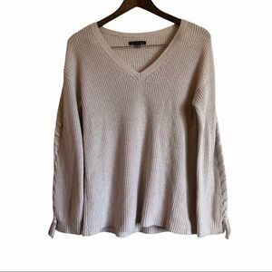 AMERICAN EAGLE Wool Knit Lace Up Long Sleeve V Neck Sweater Shirt Top Cream